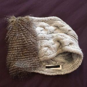 Ann Taylor unique scarf with faux fur, cable knit